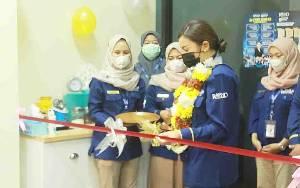 Monica Putri Rasyid Resmikan Kantor Klinik Bisnis di Palangka Raya