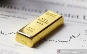Dolar Melemah, Emas di Pasar Asia Bertengger di Tertinggi 3,5 Bulan