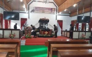 Sebelum Pelaksanaan Ibadah Paskah, Polsek Seruyan HilirSterilisasi Gereja
