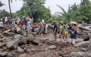 6 Warga Tewas Diterjang Banjir Bandang