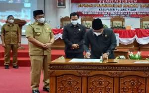 DPRD Gelar Rapat Pemberhentian Edy Pratowo Sebagai Bupati Pulang Pisau