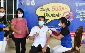 Wakil Bupati Barito Utara Ikuti Vaksinasi Covid-19 Tahap Kedua