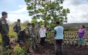 Tim Gabungan Patroli PPKM Mikro dan Karhutla di Kelurahan Kalampangan
