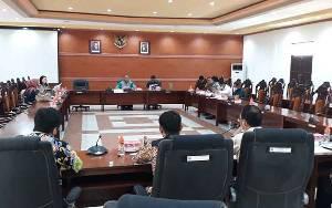 DPRD Kapuas Gelar Rapat Gabungan Pansus LKPj Bupati Bersama Pihak Eksekutif