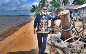 Legislator Kalteng Ini Sebut Pembangunan Siring Pantai Menjadi Usulan Masyarakat Desa Keraya