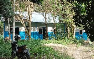 Akan Direlokasi, Rumah Dinas Guru SMAN 1 Tamiang Layang Belum Miliki Fasilitas MCK