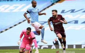 Manchester City Dipecundangi 10 Pemain Leeds