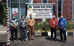 Bupati Gunung Mas Resmikan Kantor Bank Kalteng Capem Tumbang Jutuh