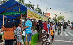 Lapak Pasar Ramadan Diserbu Pengunjung Meski Harus Terapkan Prokes