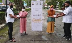 Satintelkam Polres Kotim Berbagi Takjil dan Makan Gratis Bagi Kaum Dhuafa