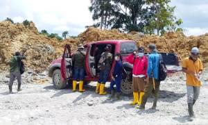 DLH Barito Timur Ambil Sampel Air Sungai Diduga Tercemar Aktivitas Pertambangan