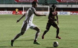 Pelatih Persija Akui Pertahanan PSM Makassar Sangat Kokoh