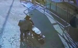 Aksi Pencurian Tabung Gas dan Televisi di Rumah Makan Palangka Raya Terekam Kamera CCTV