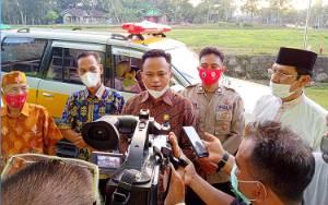 Ketua DPRD Barito Timur Sumbang Ambulans di Kecamatan Raren Batuah