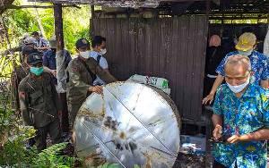 Petugas Amankan Puluhan Drum dan Peralatan Pembuatan Arak Putih diamankan dari Pabrik Miras