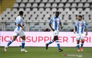 Napoli Salip Juventus Usai Taklukkan Torino 2-0