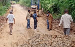 Dinas PUPR Lakukan Penanganan Darurat Kerusakan Jalan KM 34 - Simpang Benangin