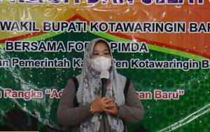 Bupati Kobar Berkomitmen Dorong Pembangunan Kecamatan Arut Utara