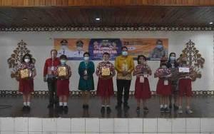 Murid SDN 3 Tampang Tumbang Anjir Juara 1 Lomba Bercerita di Kabupaten Gunung Mas