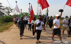 Separuh Populasi Myanmar Berisiko Jatuh Miskin pada 2022