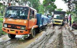 Ruas Jalan Buntok-Kalahien Rusak Parah Pemprov Didorong Segera Perbaiki