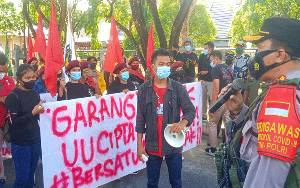 Aksi Damai Puluhan Mahasiswa Akhirnya di Jalan Katamso Palangka Raya