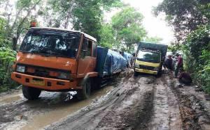 Legislator Kalteng Temukan Jalan Trans Kalimantan di Buntok - Kalahien Alami Kerusakan