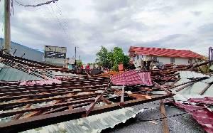 Bangunan Roboh di Baamang Sempat Dikira Warga Gempa