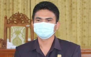 Ini Imbauan Wakil Ketua I DPRD Gunung Mas kepada Penerima Beasiswa