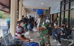 Petugas Bandara Iskandar Pangkalan Bun Amankan Penumpang Pesawat Positif Covid-19