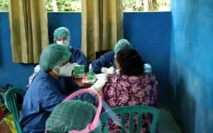 10 Lansia Ikuti Vaksinasi Covid-19 di Desa Tumbang Manyangan Gunung Mas