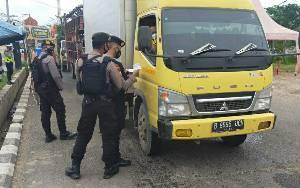 1.369 Kendaraan Gagal Masuk Kalteng via Perbatasan di Kapuas