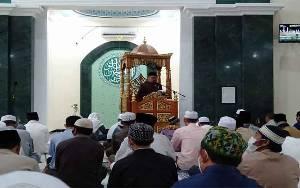 Khatib Salat Id Masjid Al Gufron Kasongan Serukan Semua Umat Jaga Perstuan dan Kesatuan