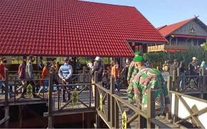 Satgas Covid-19 Palangka Raya Bubarkan Kerumunan Warga di Tempat Wisata