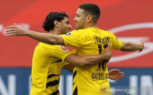 Dortmund Kunci 4 Besar Selepas Menang di Mainz