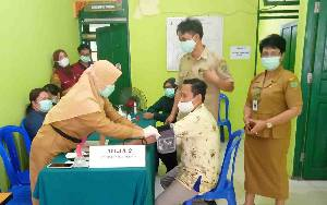 Puskesmas Tamiang Layang Lakukan Vaksinasi Covid-19 bagi Lansia