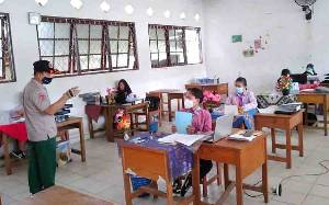 BPBD Damkar Monitoring Prokes Ujian Kompetensi SMK 2 Tamiang Layang