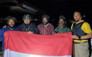 Empat Personel TNI Terluka Saat Dihadang KKB di Pegunungan Bintang