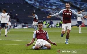 Villa Paksa Tottenham Telan Kekalahan di Laga Kandang Pemungkas