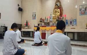 Ibadah Waisak di Sampit Dilaksanakan Secara Virtual