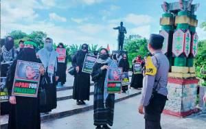 Polresta Palangka Raya Kawal Aksi Solidaritas Peduli Palestina