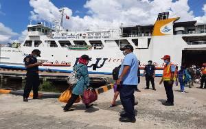 Satgas Covid-19 Kobar Pulangkan Penumpang Kapal Positif Covid-19 ke Daerah Asal