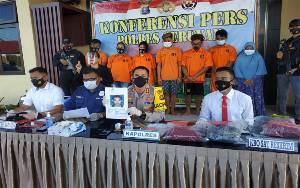 Polisi di Seruyan Dikeroyok Pemuda Mabuk