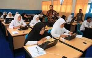 56 Ribu Guru Madrasah Belum Bergelar S1