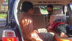 Suami Istri Warga Barsel Alami Kecelakaan Tunggal di Desa Tumpung Ulung
