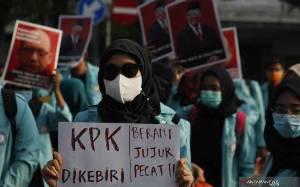 Pengamat Nilai Manuver Novel Baswedan dkk Politis dan Janggal