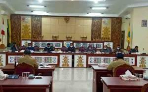 Rapat Pembahasan Raperda Pembentukan Desa Batu Slipi Hanya Dihadiri 8 Anggota DPRD Lamandau