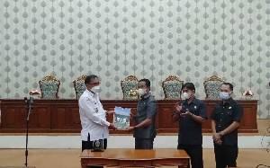 DPRD Katingan Paripurna Penandatanganan Nota Kesepakatan Rancangam Awal Perubahan RJMD 2018-2023