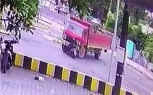 Ini Rekaman CCTV Detik-detik Kecelakaan Maut Truk Vs Motor