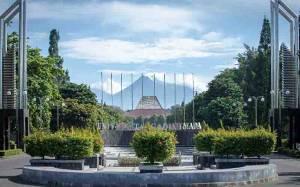 UGM Pertahankan Posisi Kampus Terbaik di Indonesia